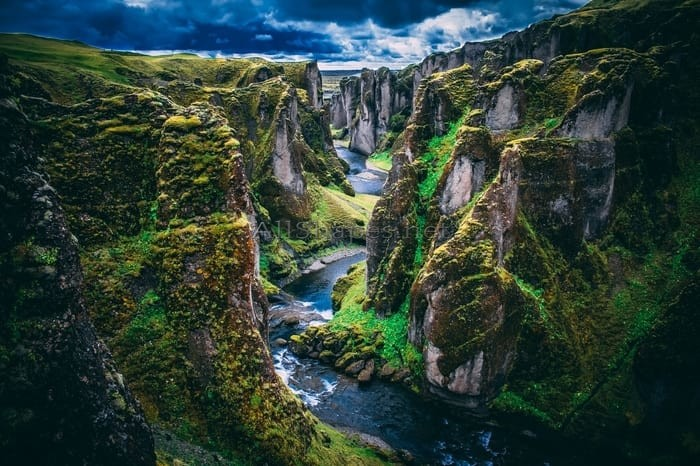 How To Travel Iceland: Country Of Extreme Geological Contrasts 1