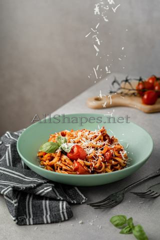 Pasta, Chicken and Sun-Dried Tomatoes